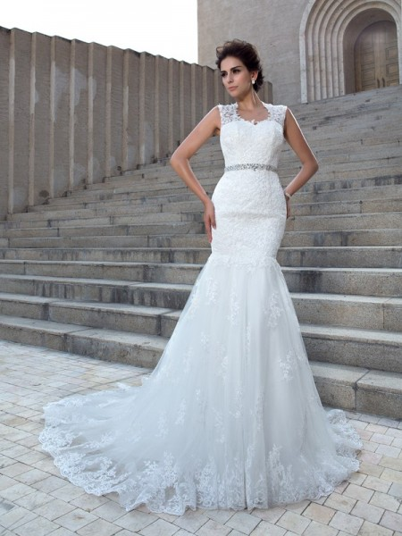 Trumpet/Mermaid Lace V-neck Sleeveless Applique Chapel Train Wedding Dresses