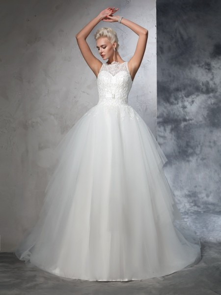 Ball Gown Net Applique Bateau Sleeveless Chapel Train Wedding Dresses