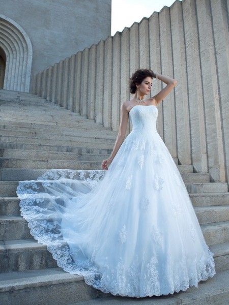 Ball Gown Satin Applique Spaghetti Straps Chapel Train Sleeveless Wedding Dresses