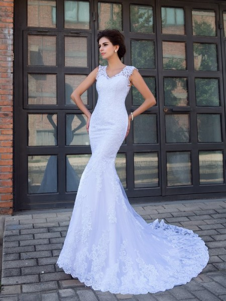 Trumpet/Mermaid V-neck Satin Sleeveless Applique Chapel Train Wedding Dresses