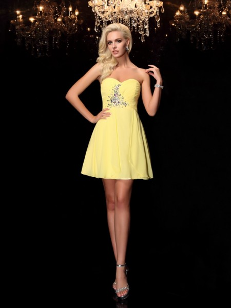 A-Line/Princess Chiffon Rhinestone Sweetheart Sleeveless Short/Mini Dresses