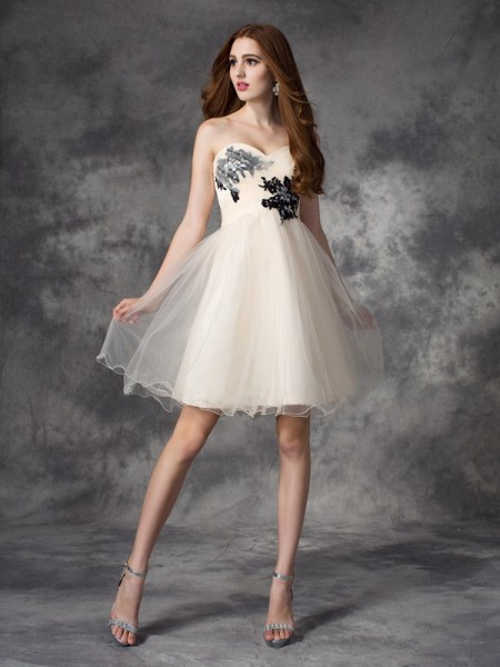 A-Line/Princess Net Sweetheart Sleeveless Applique Short/Mini Dresses