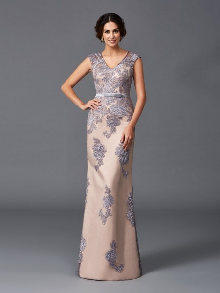Sheath/Column Satin Straps Sleeveless Floor-Length Applique Dresses