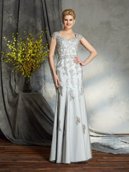 Sheath/Column Sweetheart Satin Sleeveless Applique Floor-Length Mother of the Bride Dresses