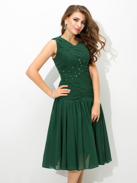 A-Line/Princess Chiffon Pleats Scoop Sleeveless Knee-Length Dresses
