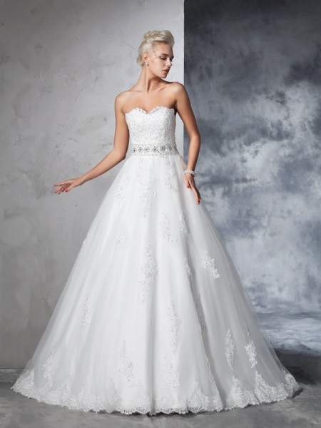 Ball Gown Net Sleeveless Chapel Train Applique Wedding Dresses