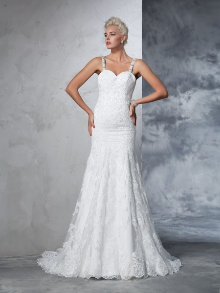 Trumpet/Mermaid Spaghetti Straps Lace Chapel Train Sleeveless Wedding Dresses