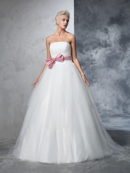 Ball Gown Net Bowknot Sleeveless Court Train Wedding Dresses