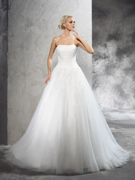 Ball Gown Satin Sleeveless Applique Court Train Wedding Dresses