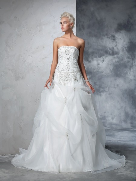Ball Gown Tulle Beading Sleeveless Chapel Train Wedding Dresses