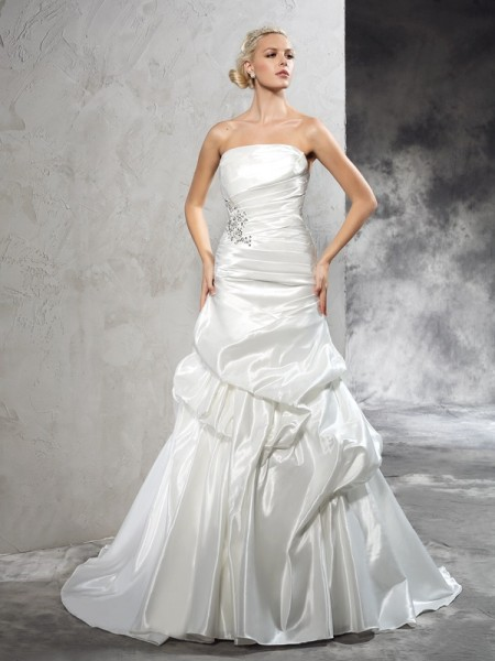 Sheath/Column Satin Pleats Sleeveless Court Train Wedding Dresses