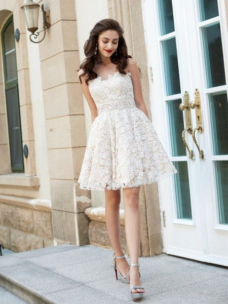 A-Line/Princess Lace Sleeveless Rhinestone Short/Mini Dresses