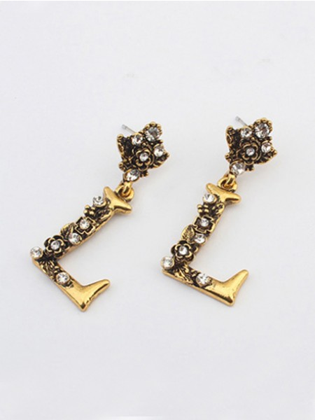 Occident Retro Punk Personality Alphabet Stud Hot Sale Earrings