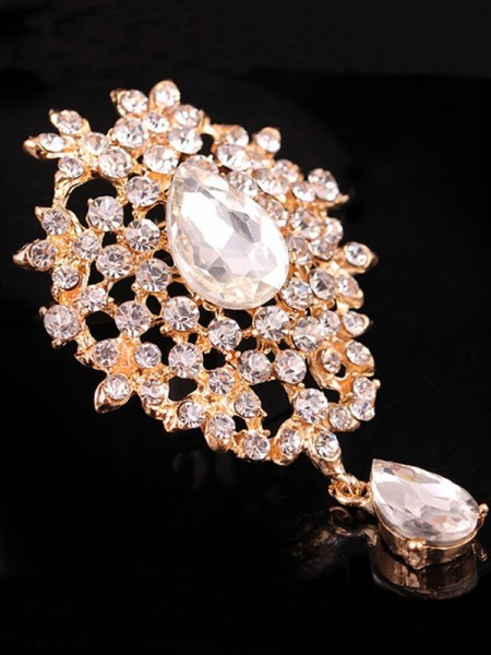 Ladies' Charming Alloy With Rhinestone Brooch