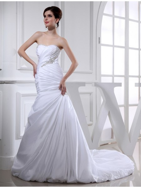 Trumpet/Mermaid Taffeta Sleeveless Chapel Train Beading Wedding Dresses