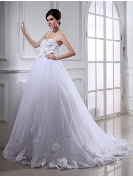 Ball Gown Organza Sleeveless Beading Chapel Train Wedding Dresses