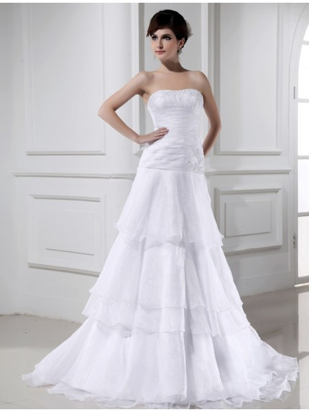 A-Line/Princess Organza Beading Court Train Sleeveless Wedding Dresses