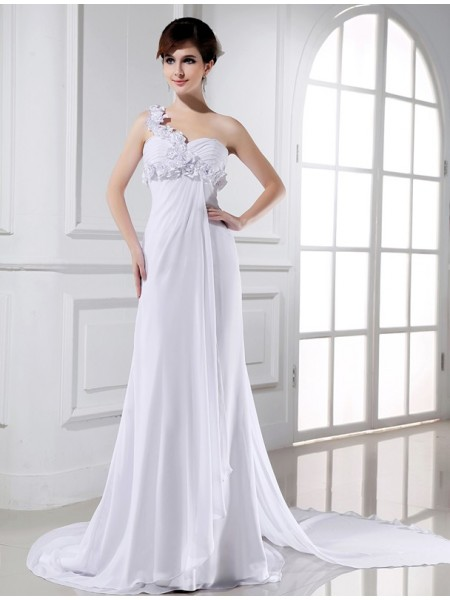 A-Line/Princess Chiffon Sleeveless Court Train Beading Wedding Dresses