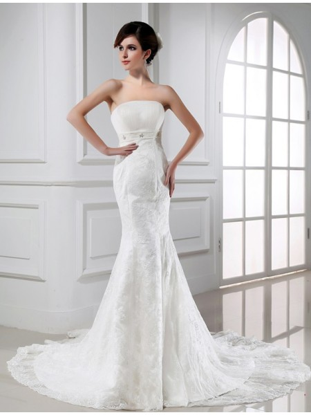 Trumpet/Mermaid Tulle Sleeveless Beading Chapel Train Wedding Dresses