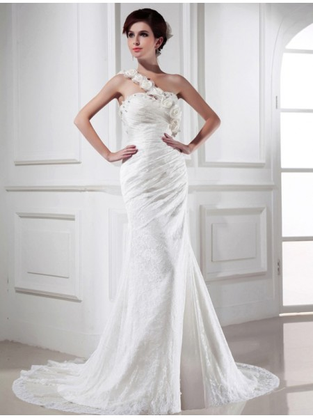 Trumpet/Mermaid Satin Beading Sleeveless Chapel Train Wedding Dresses