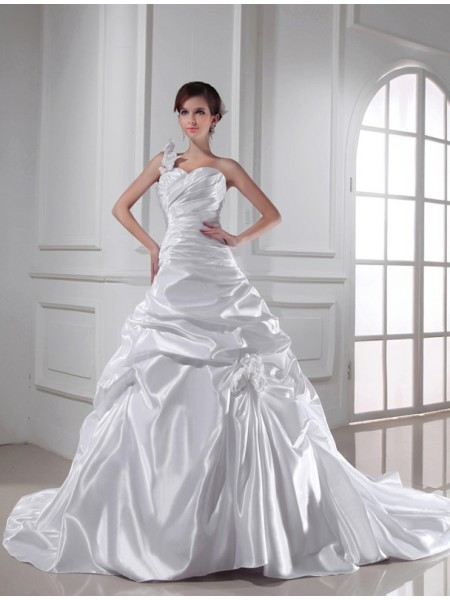 A-Line/Princess Elastic Woven Satin Sleeveless Pleats Chapel Train Wedding Dresses