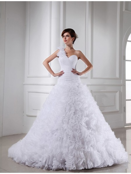 Ball Gown Organza Beading Sleeveless Chapel Train Wedding Dresses