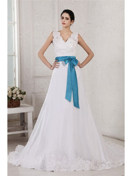 A-Line/Princess Satin Sleeveless Applique Chapel Train Wedding Dresses