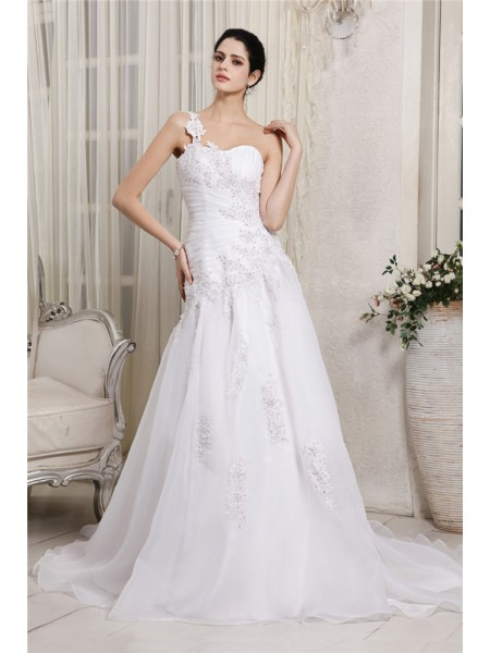 A-Line/Princess Organza Sleeveless Chapel Train Beading Wedding Dresses