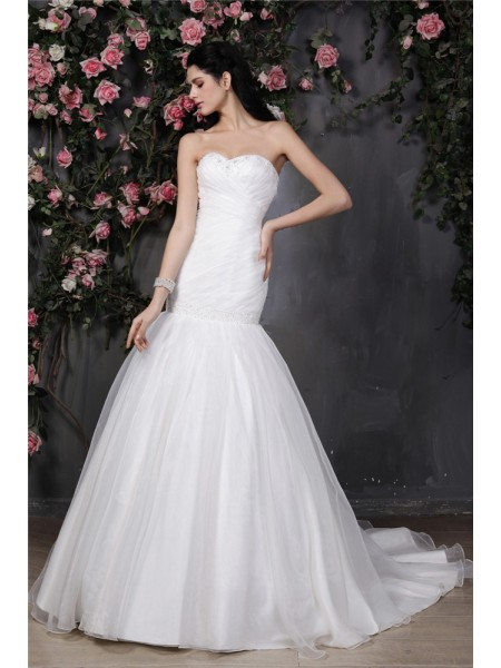 Trumpet/Mermaid Organza Beading Sleeveless Chapel Train Wedding Dresses