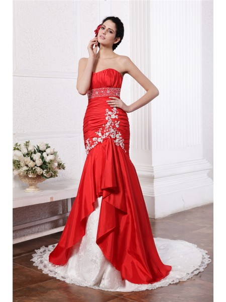 Trumpet/Mermaid Taffeta Sleeveless Beading Court Train Wedding Dresses