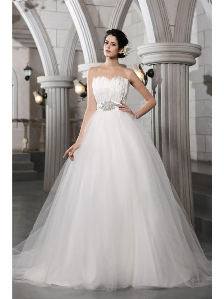 Ball Gown Net Sleeveless Beading Chapel Train Wedding Dresses