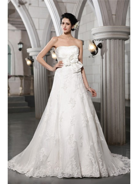 A-Line/Princess Satin Sleeveless Beading Chapel Train Wedding Dresses