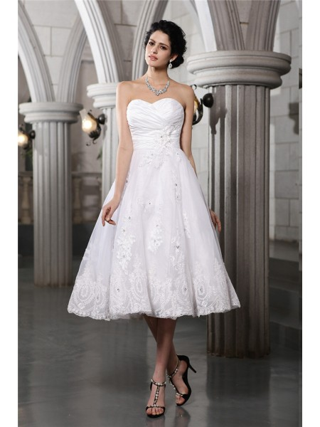 A-Line/Princess Taffeta Beading Sleeveless Tea-Length Wedding Dresses