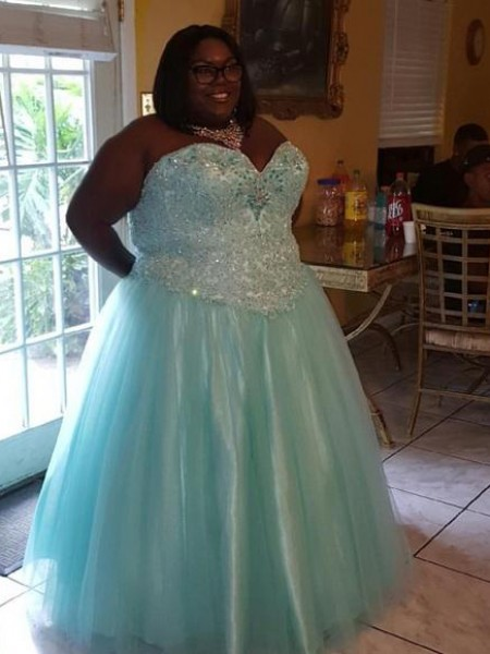 Ball Gown Organza Sweetheart Sleeveless Beading Floor-Length Plus Size Dresses