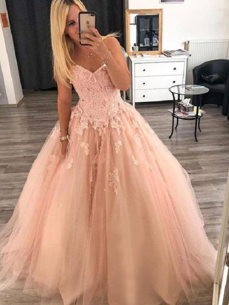 Ball Gown Sleeveless Sweetheart Floor-Length Applique Tulle Dresses