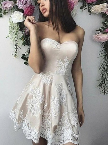 A-Line/Princess Lace Applique Sweetheart Sleeveless Short/Mini Homecoming Dresses