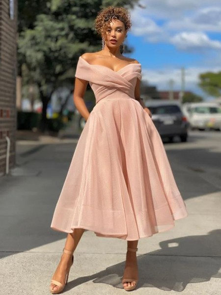 A-Line/Princess Tulle Ruched Off-the-Shoulder Sleeveless Tea-Length Homecoming Dresses
