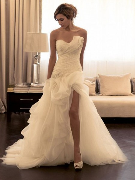Ball Gown Organza Beading Sweep/Brush Train Sleeveless Wedding Dresses