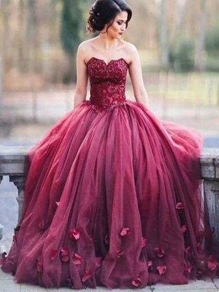 Ball Gown Sweetheart Applique Floor-Length Tulle Sleeveless Dresses