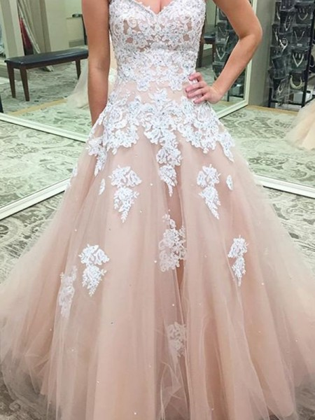Ball Gown Tulle Sleeveless Floor-Length Applique Dresses